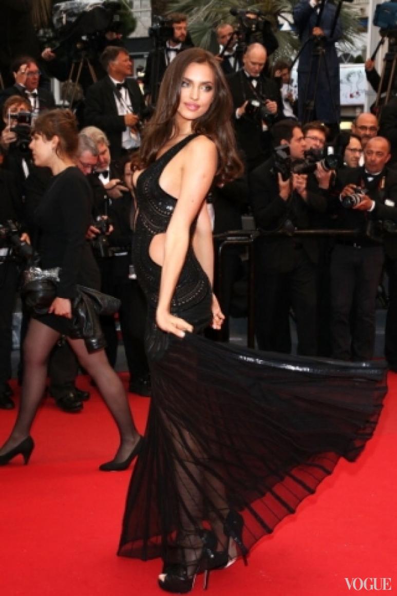 Ирина Шейк в платье Roberto Cavalli