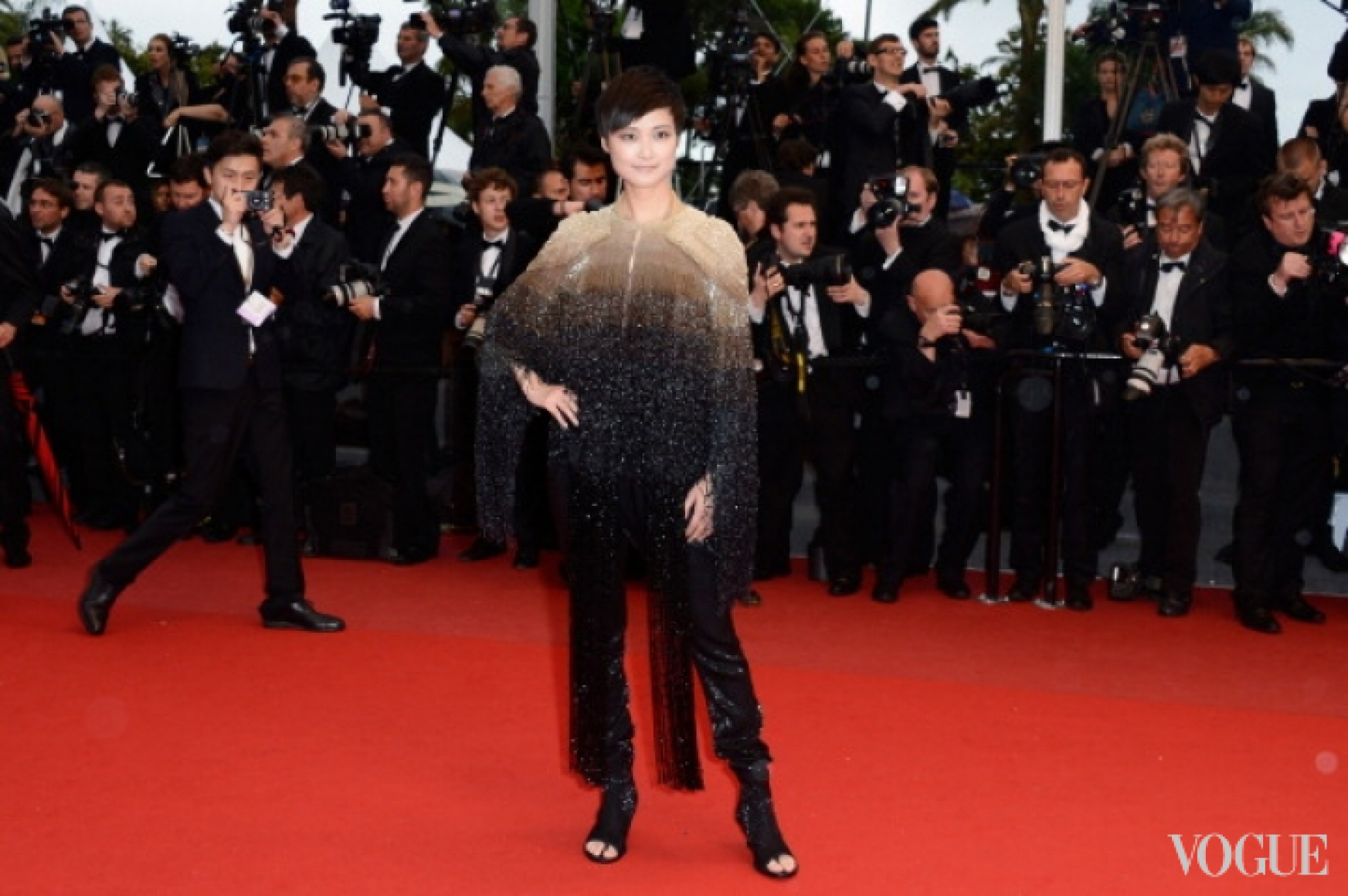 Ли Ючун в костюме Givenchy Couture