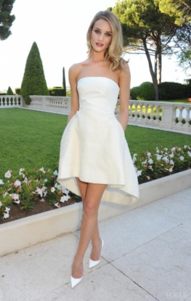 Рози Хантингтон-Уайтли в платье Christian Dior