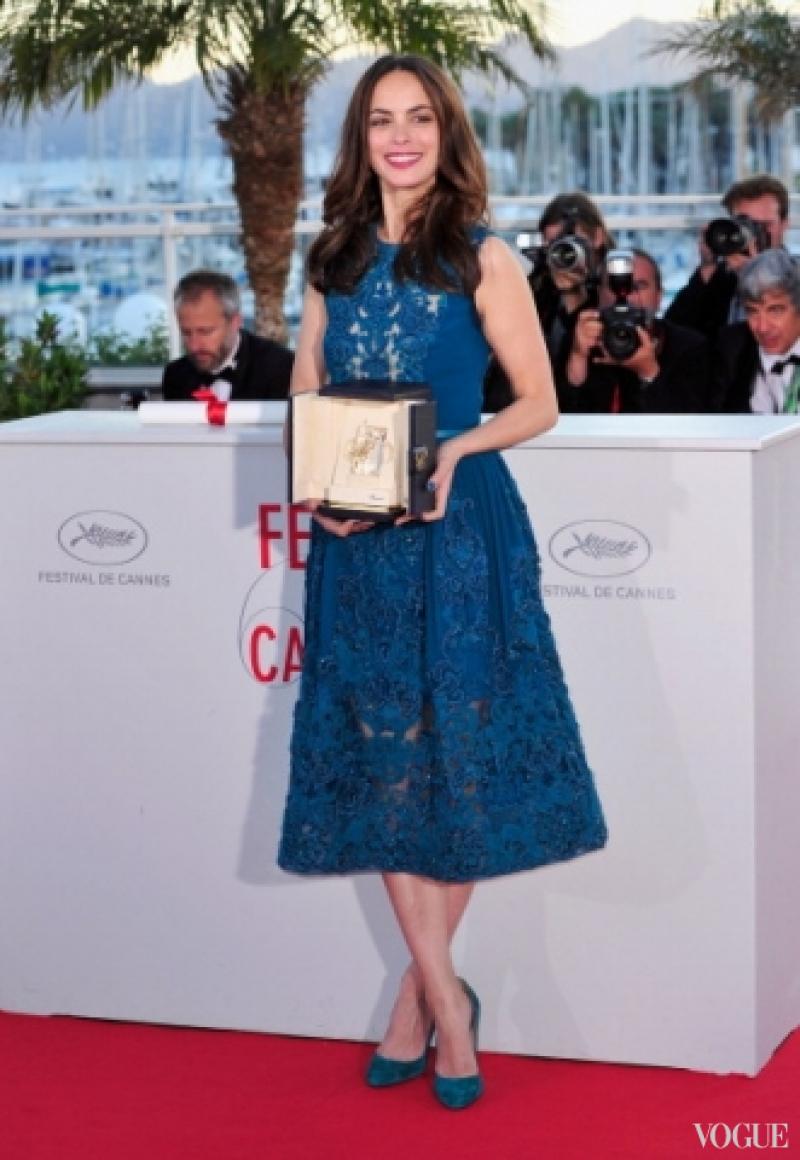 Беренис Бежо в платье Elie Saab