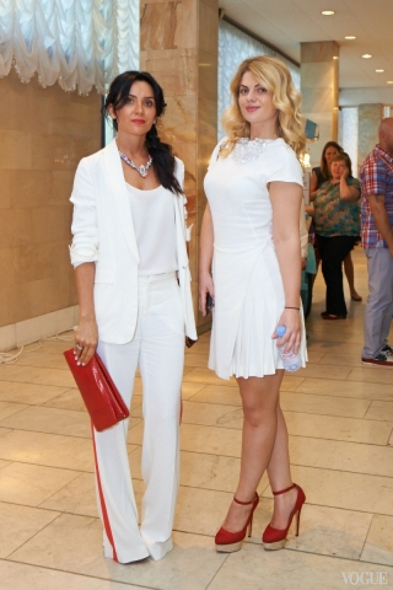 Светлана Кузьменко (справа)