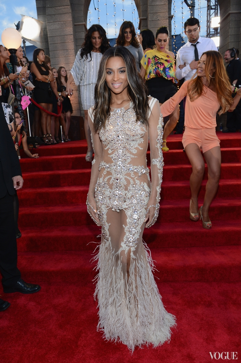 Ciara в Givenchy Haute Couture