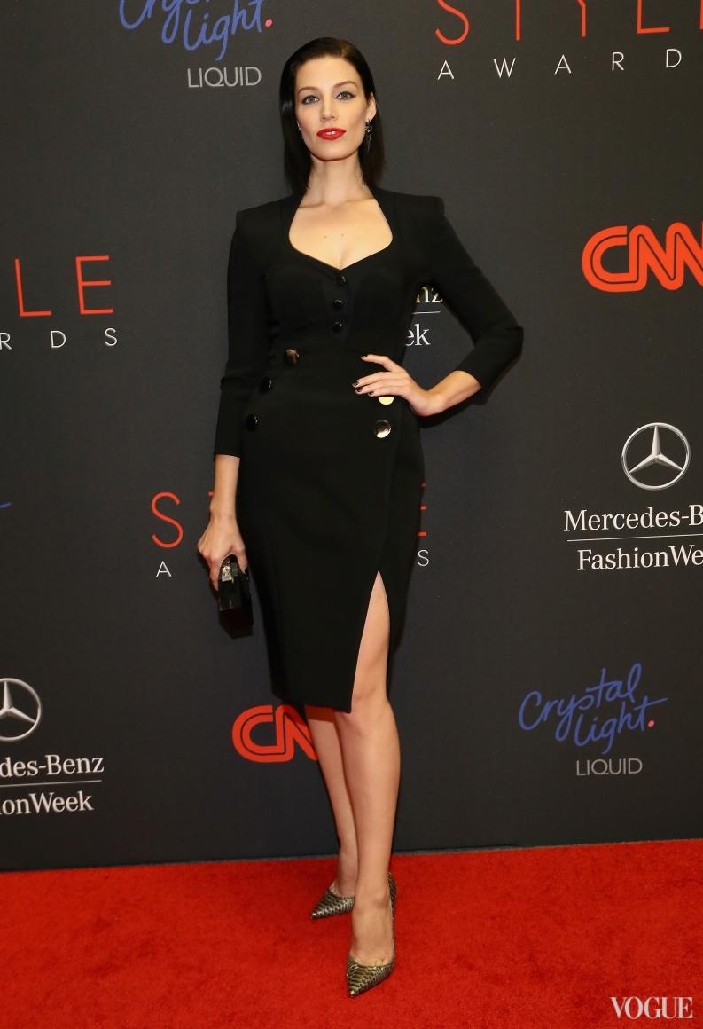 Джессика Паре в платье Altuzarra
