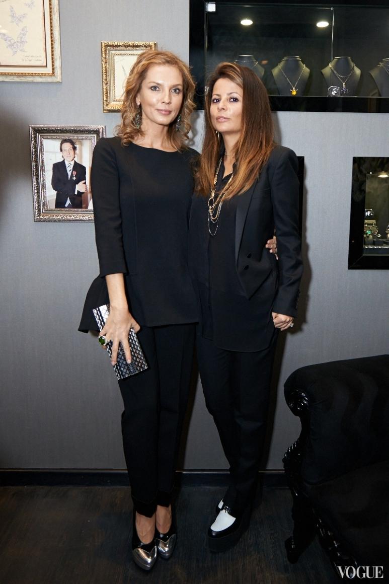 Анастасия Рагозина (слева)