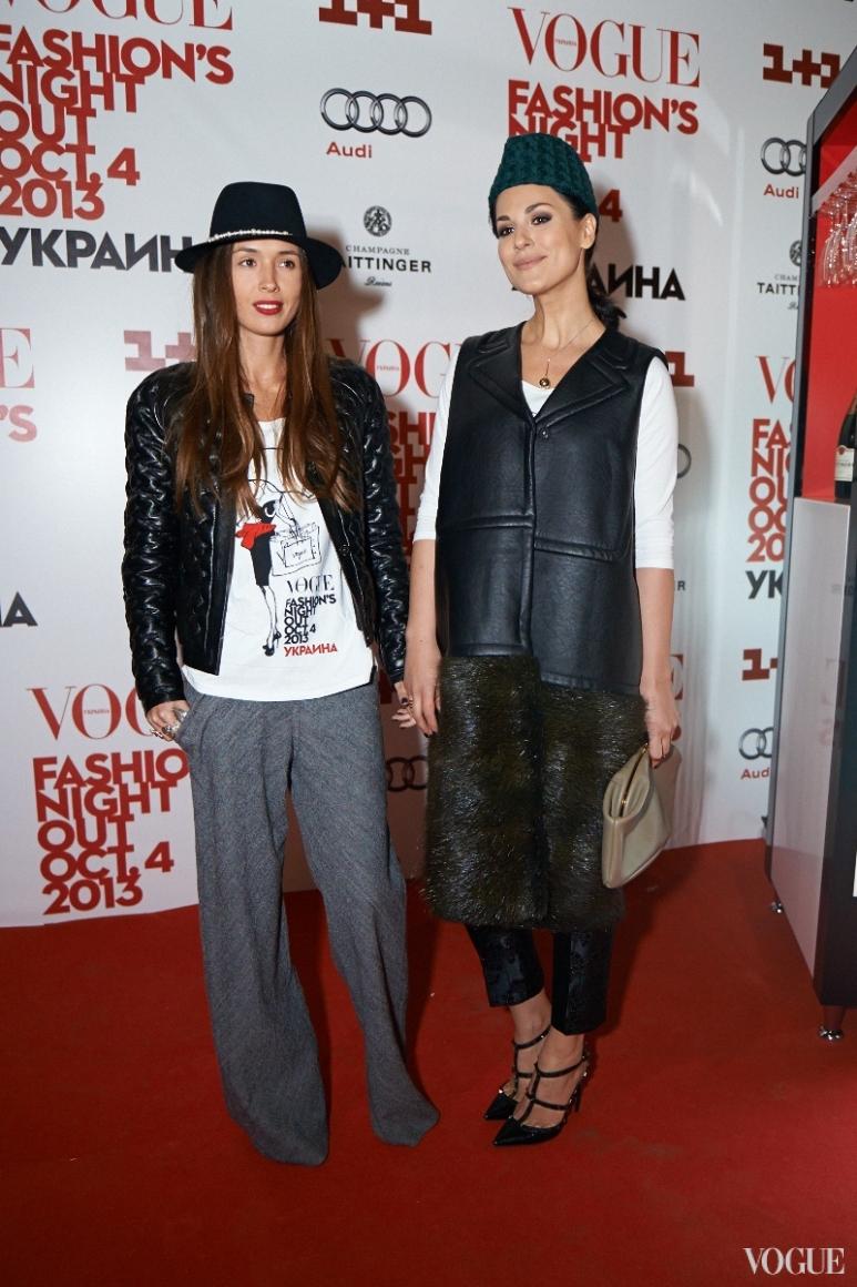 Лиза Ющенко и Маша Ефросинина