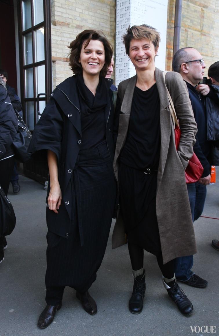 Леся Мальская (слева)