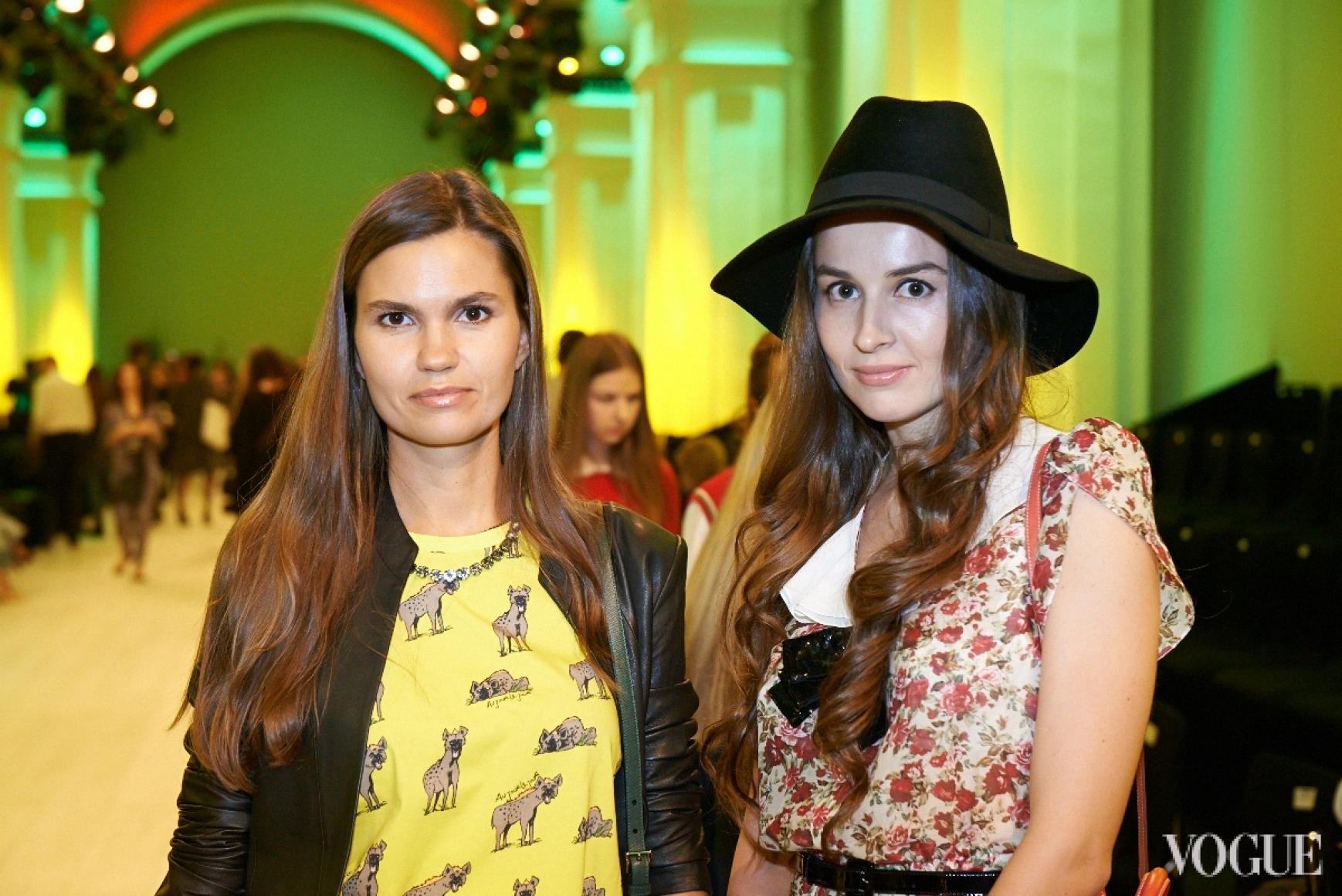 Маша Шаломеева (слева)