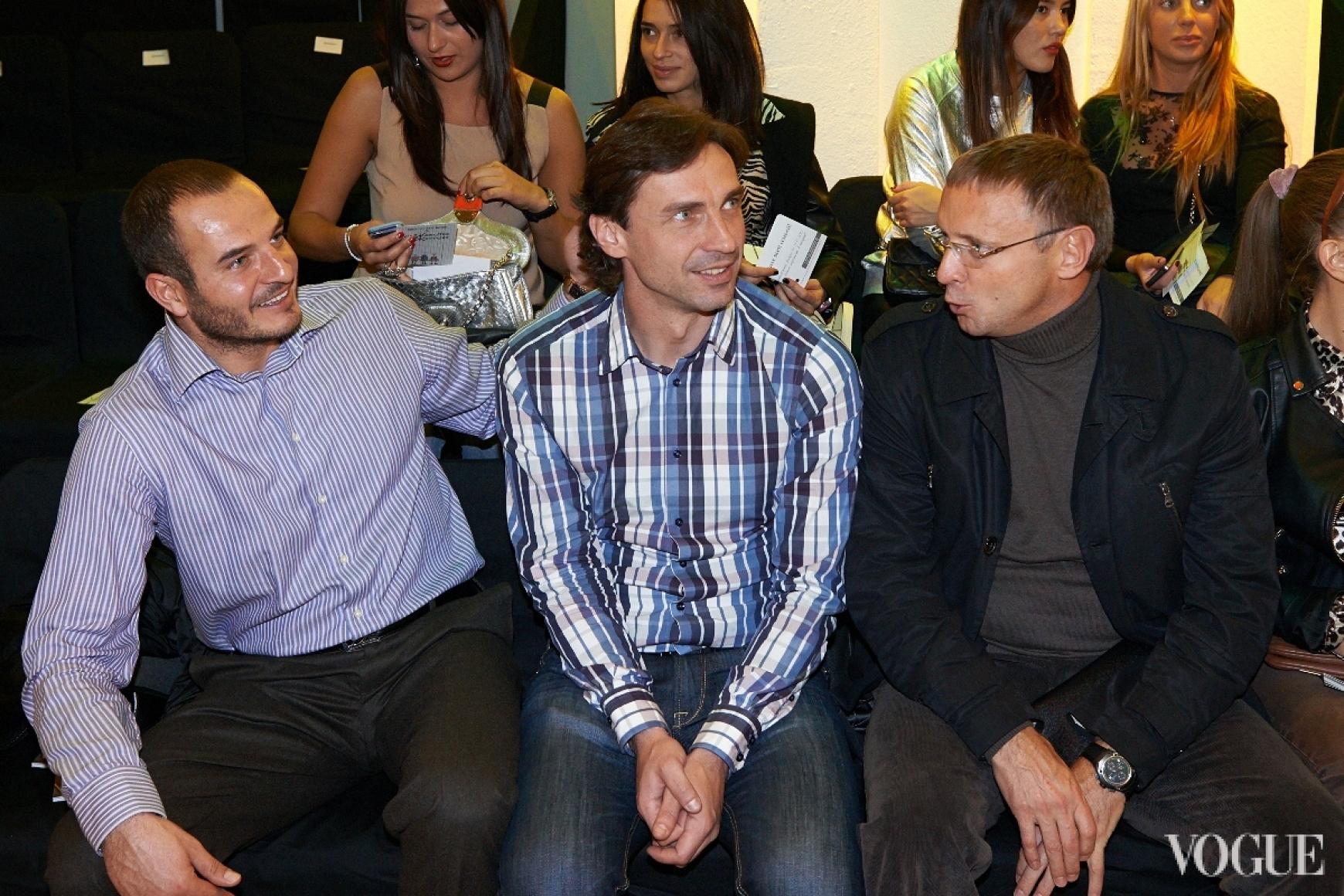 Владислав Ващук (в центре)