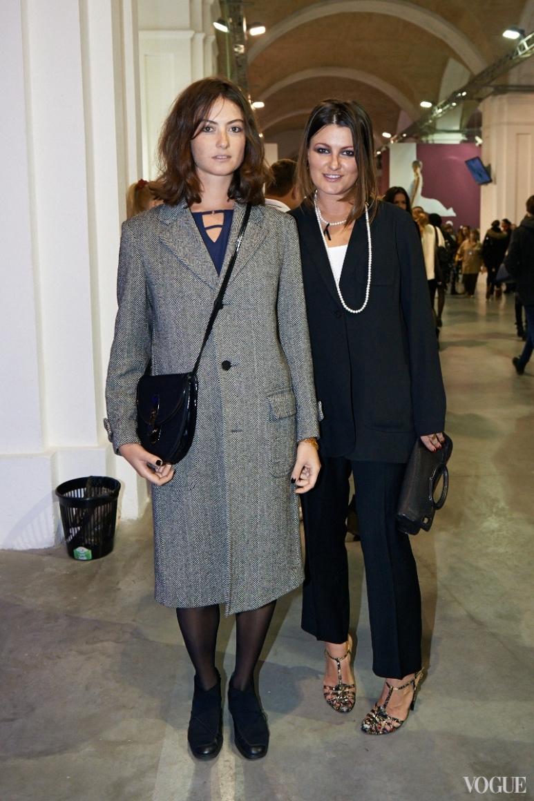 Маша Шубина (справа)