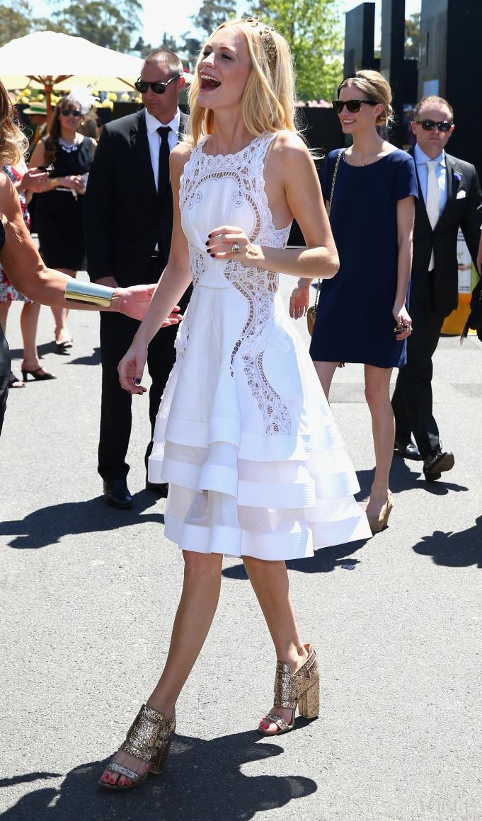 Поппи Делевинь в платье J'Aton Couture