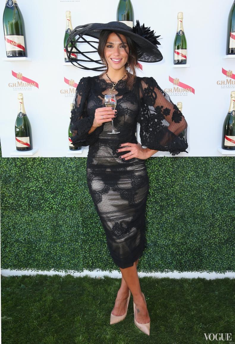 Пиа Миллер в платье Dolce & Gabbana