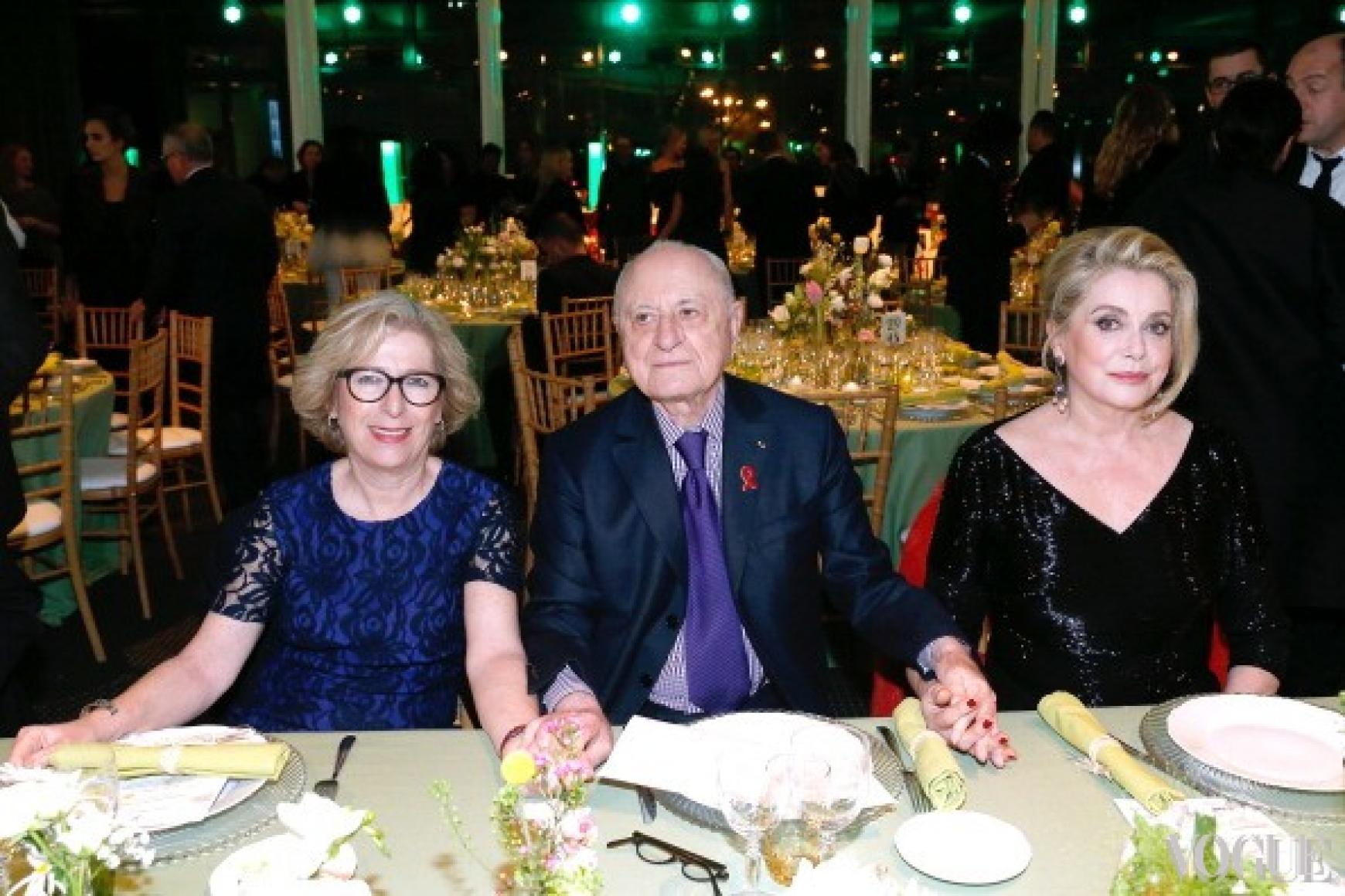 Министр образования Франции Женевьева Фиоразо, Пьер Берже и Катрин Денев