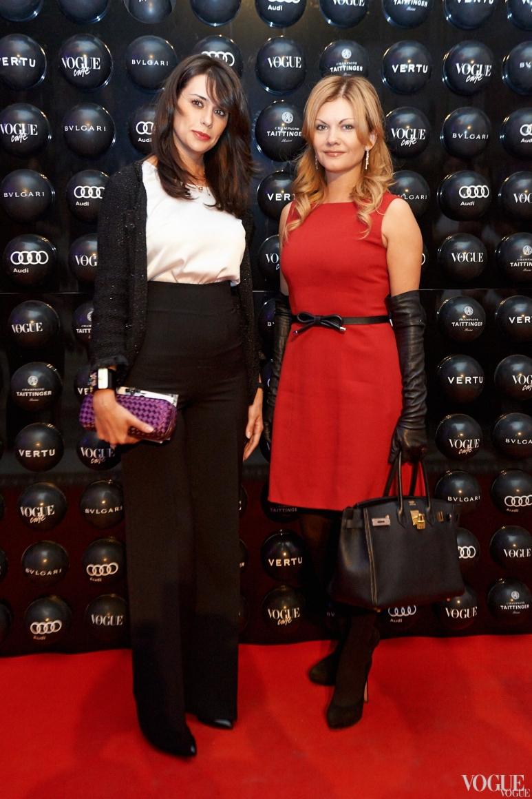 Оксана Бондаренко (слева)