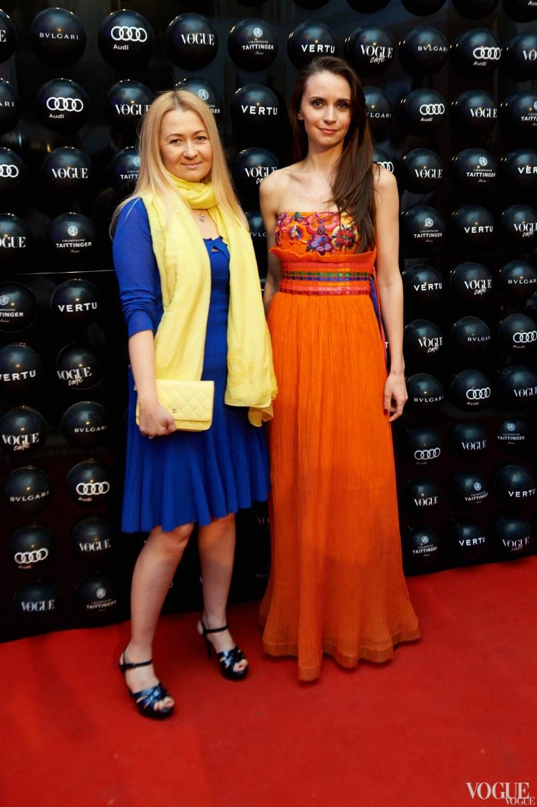 Лидия Филатова (слева)