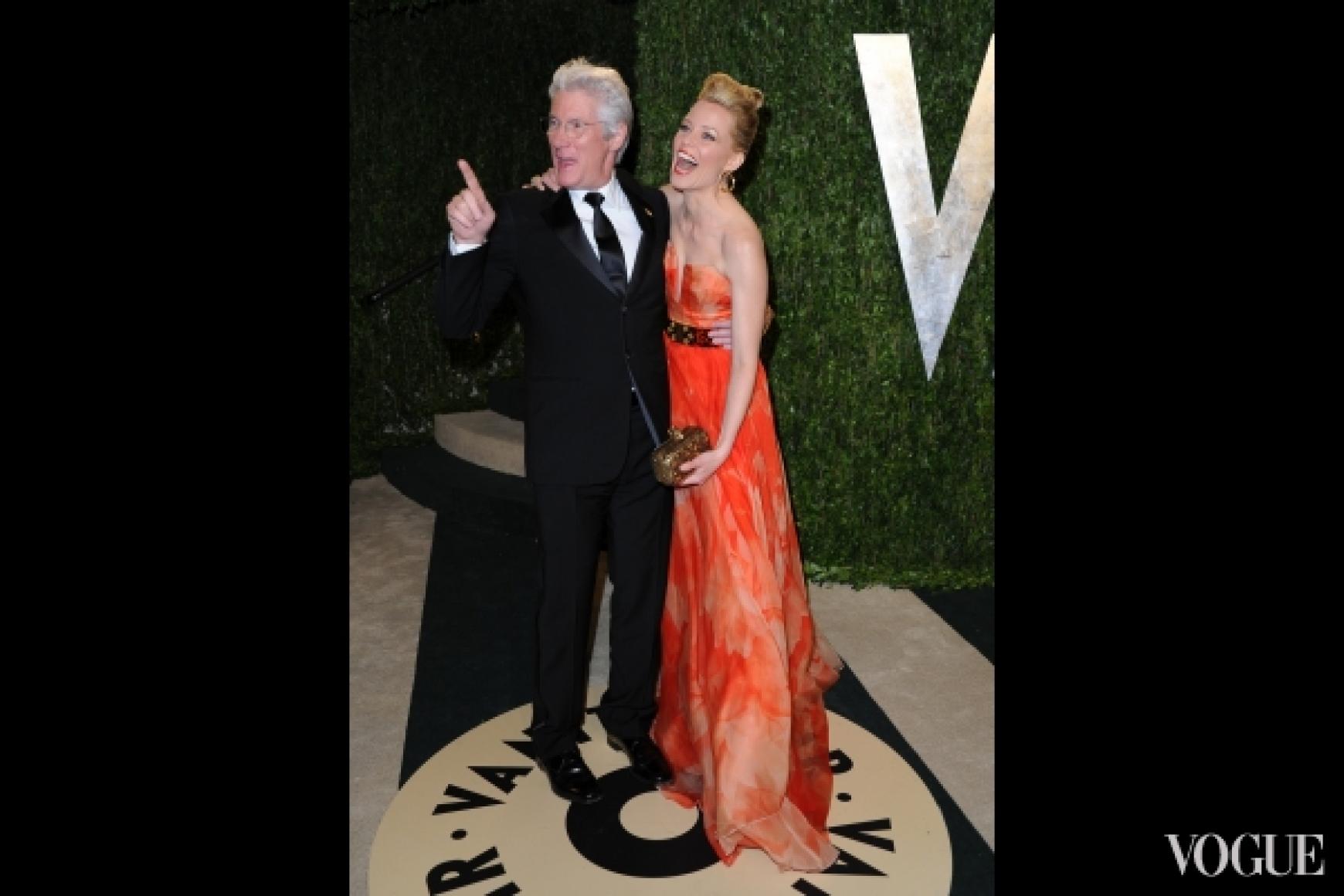 Ричард Гир и Элизабет Бэнкс в платье Alexander McQueen