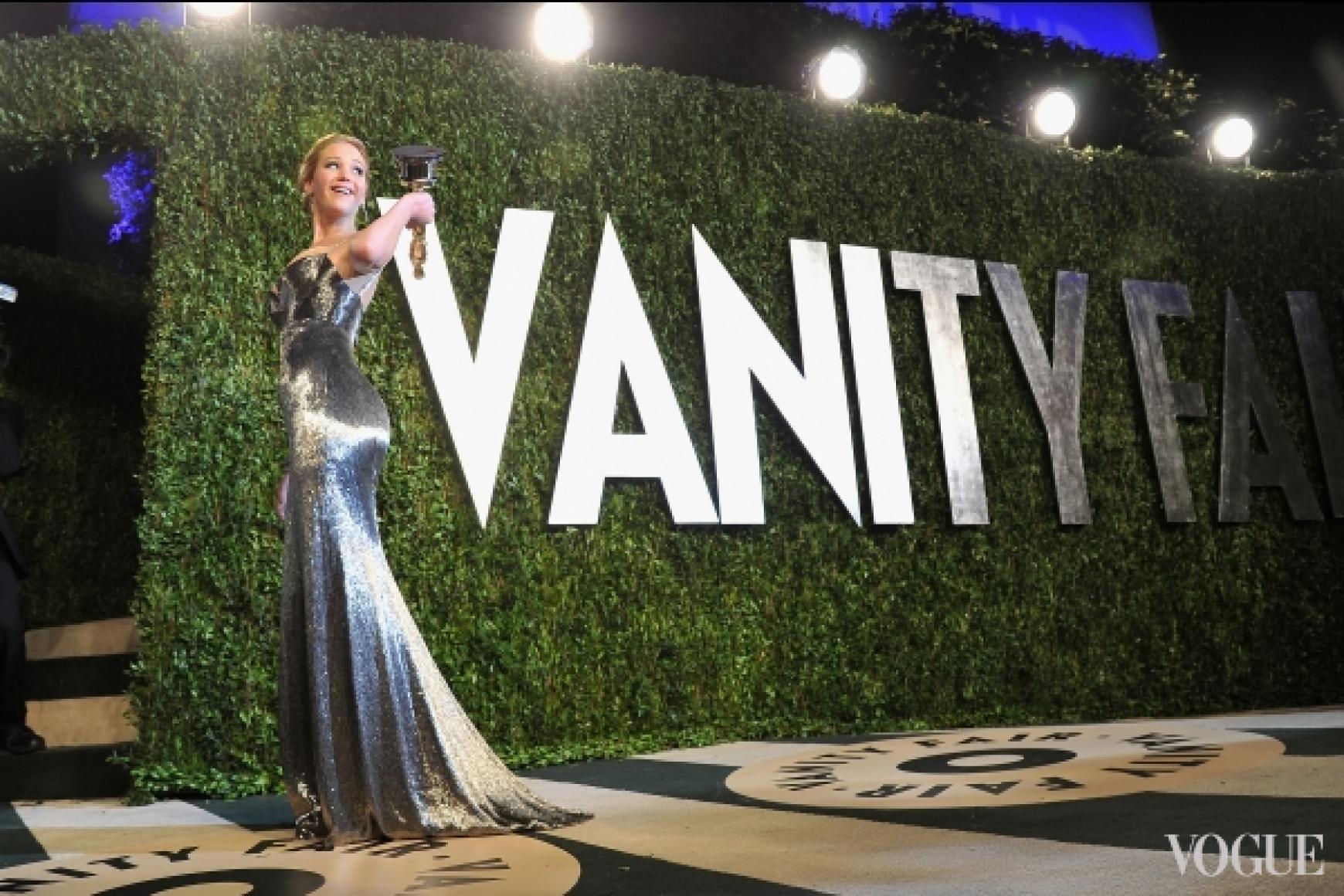 Дженнифер Лоуренс в платье Calvin Klein