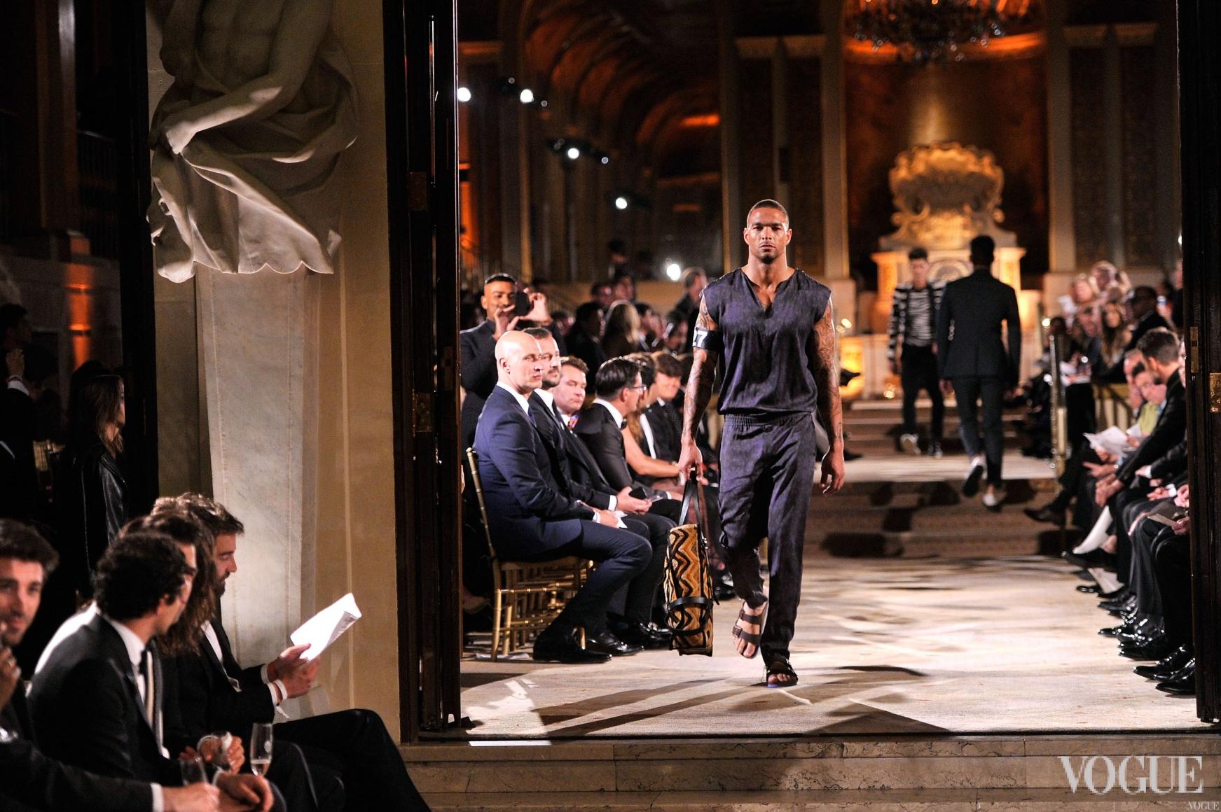 Показ во время amfAR Inspiration Gala в Нью-Йорке