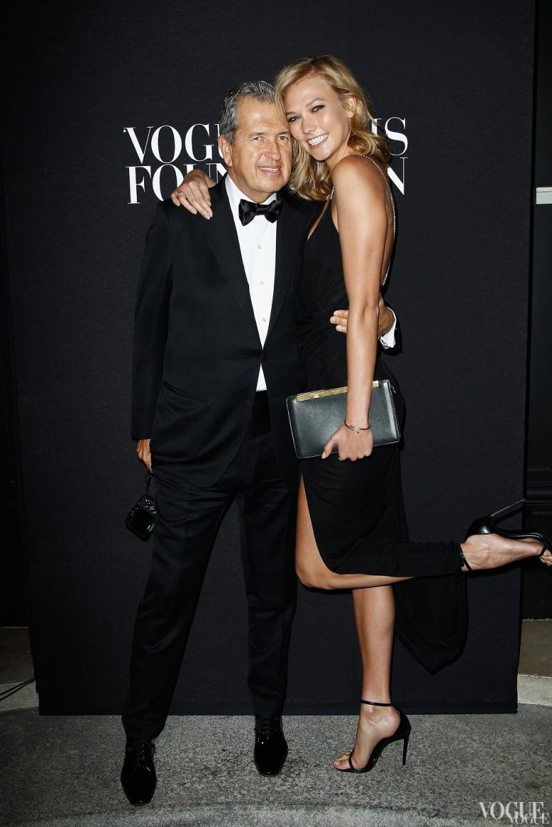 Марио Тестино и Карли Клосс в Saint Laurent