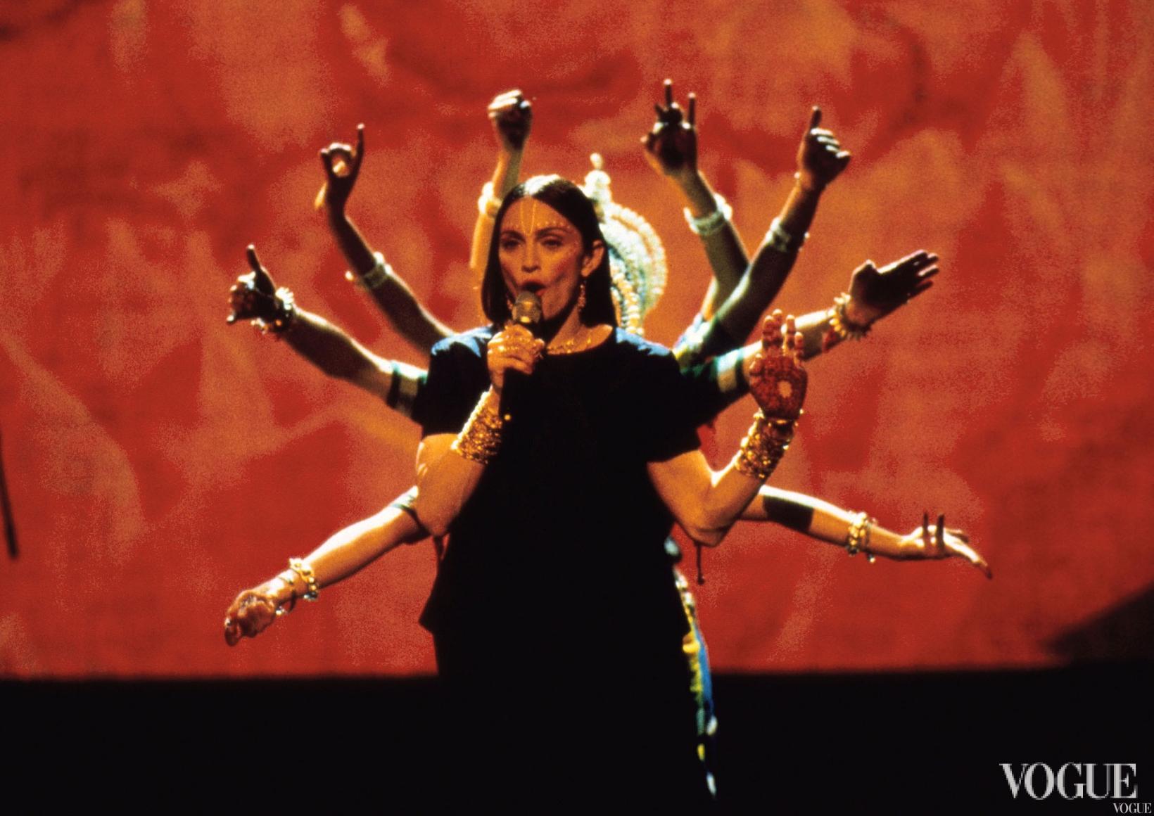 Мадонна на церемонии MTV Video Music Awards 1998