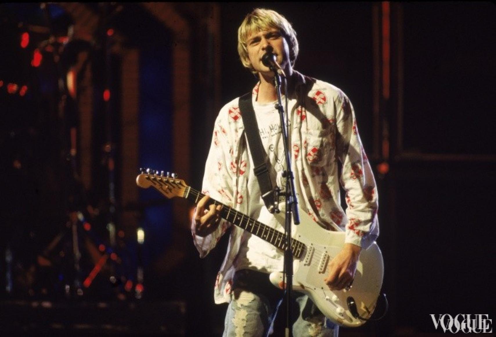 Курт Кобейн из группы Nirvana на церемонии MTV Video Music Awards 1992
