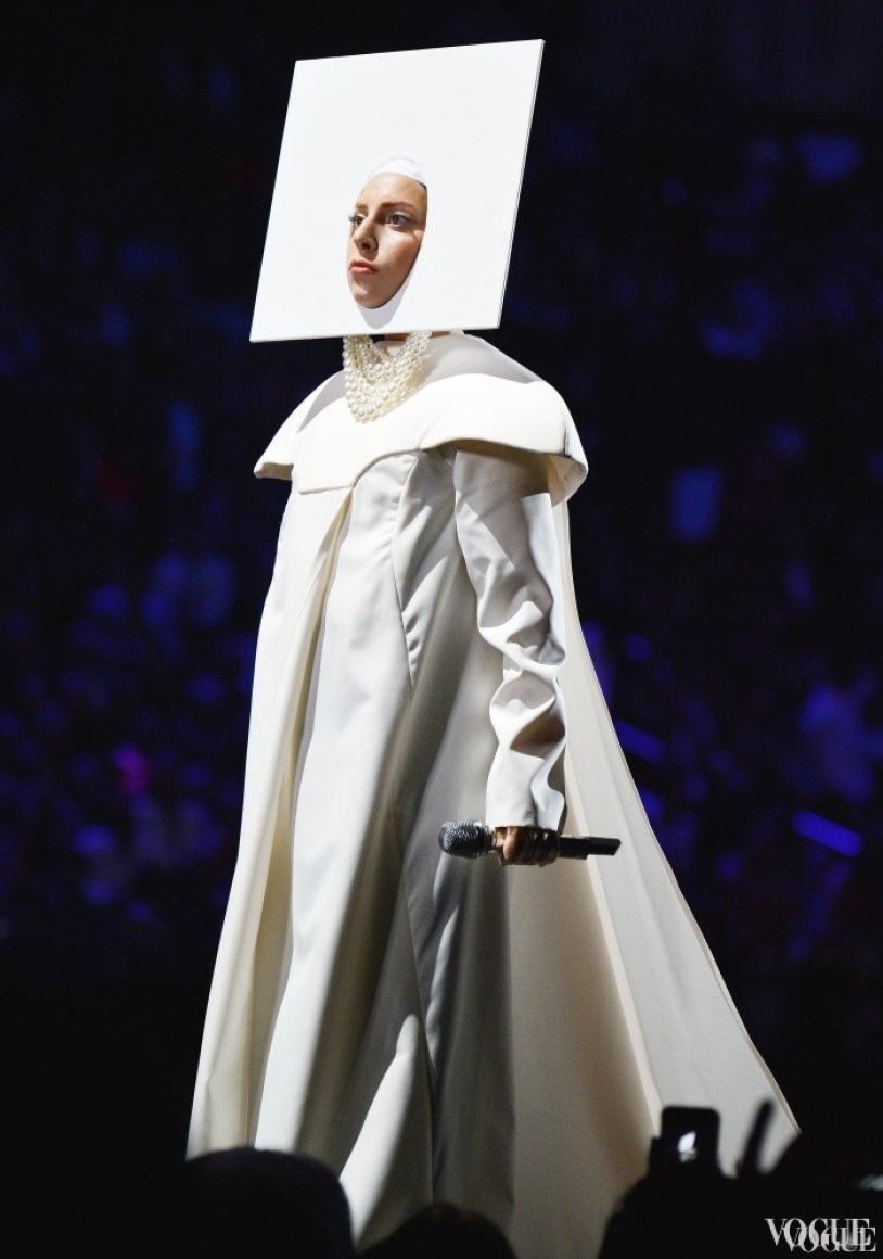 Леди Гага на церемонии MTV Video Music Awards 2013