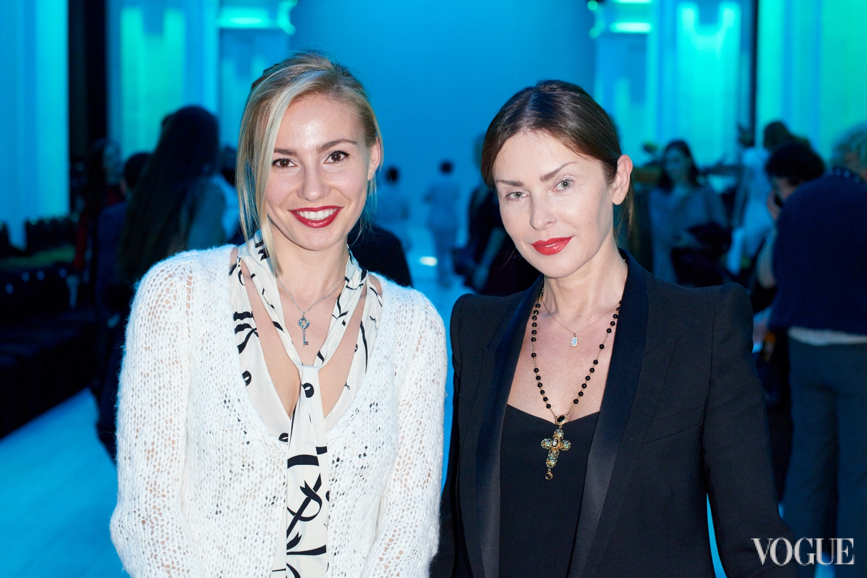Людмила Лютин (справа)