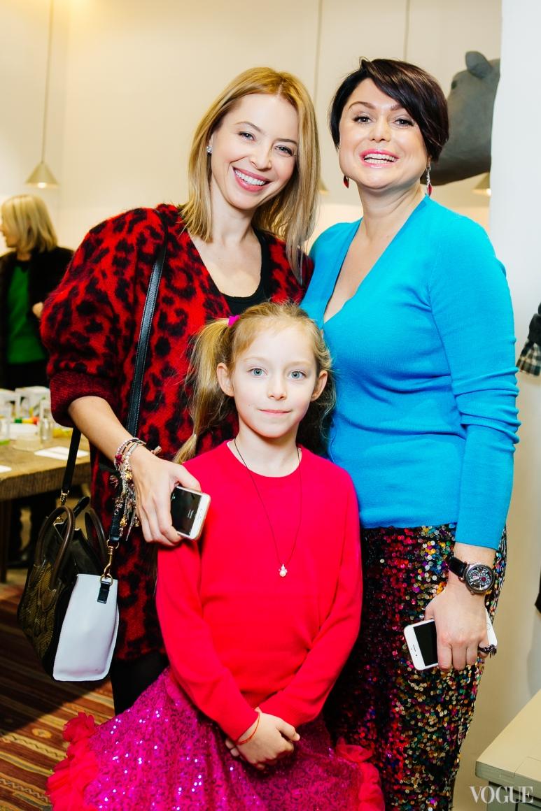 Инна Столар с дочерью и Хрыстя Храновская