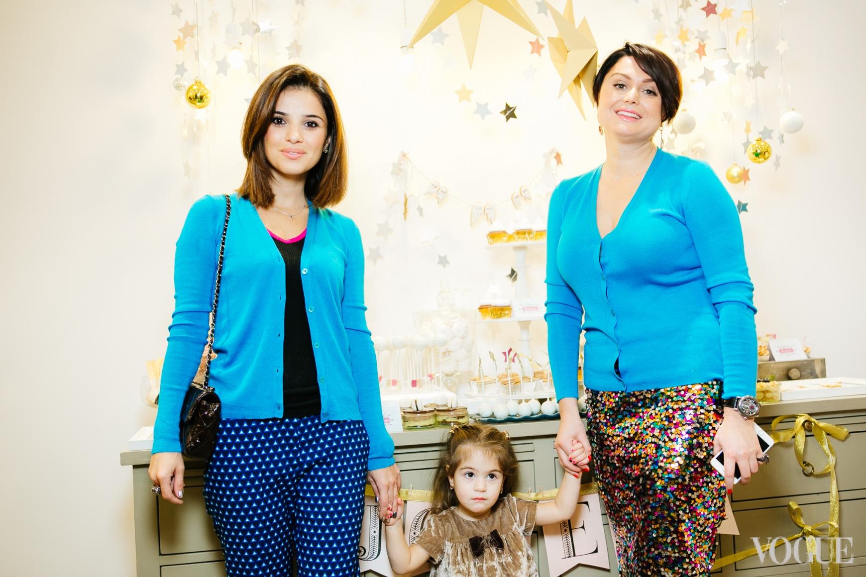 Фаина Тедеева с дочерью и Хрыстя Храновская