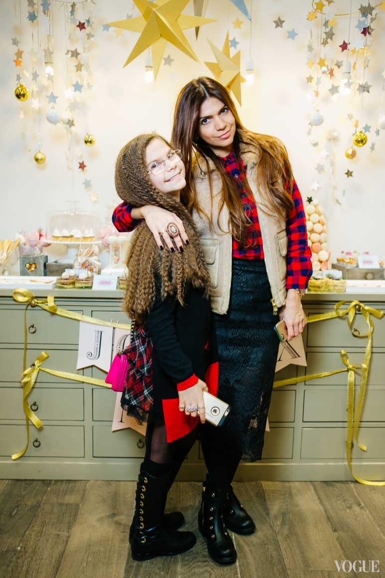 Алина Алиева с дочерью
