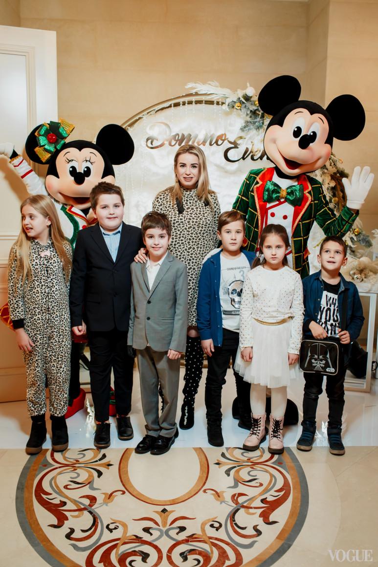 Елена Бурба с детьми