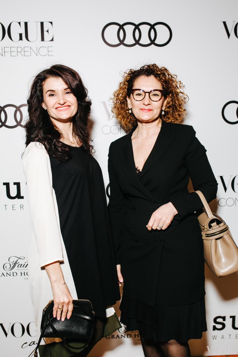 Гаянэ Журавская (справа)