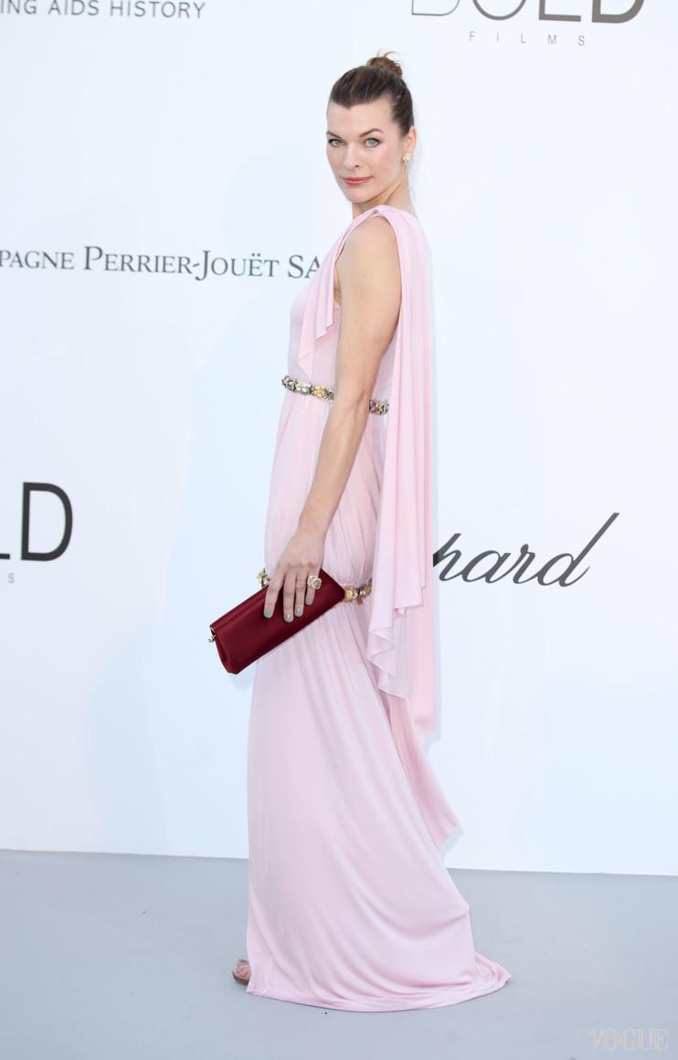 Милла Йовович в Chanel