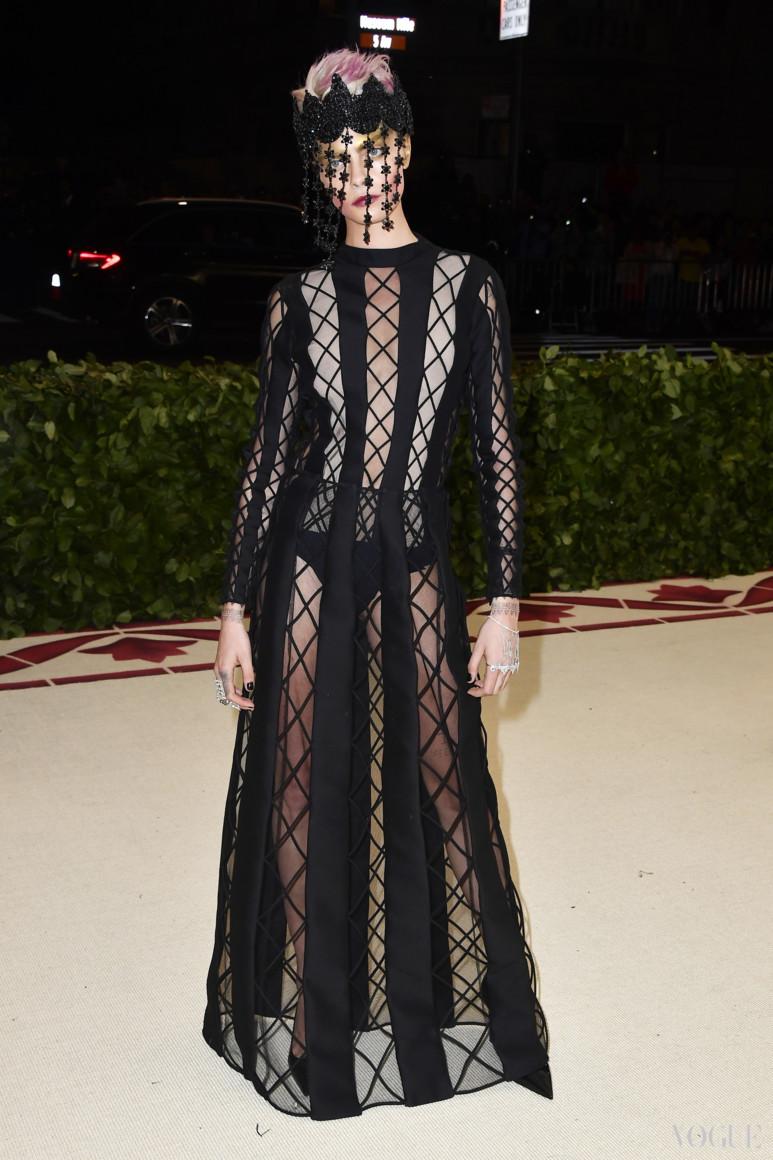 Кара Делевинь в Christian Dior