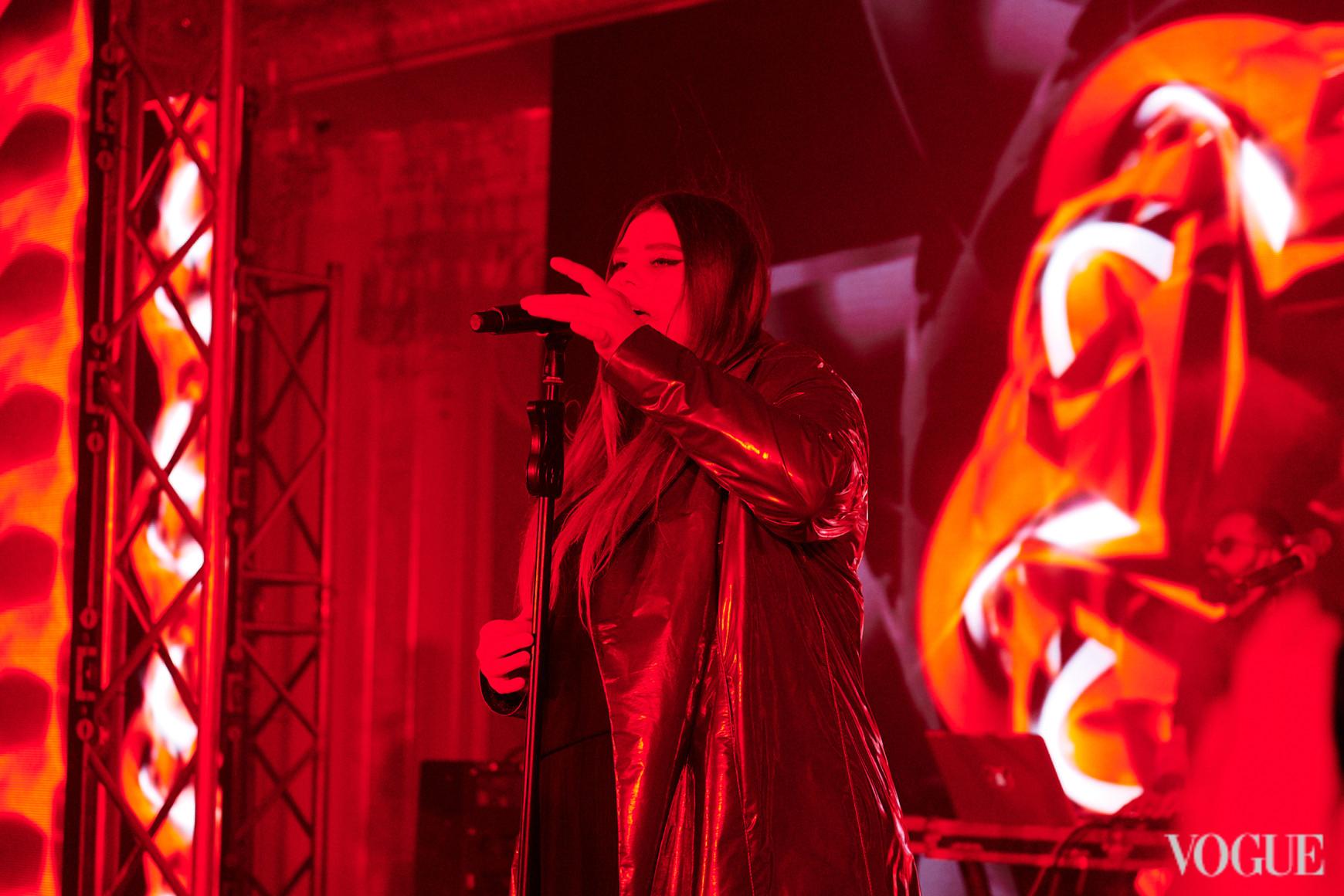 Выступление группы KAZKA