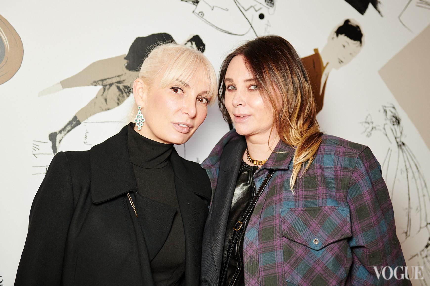 Анжела Барских (слева)