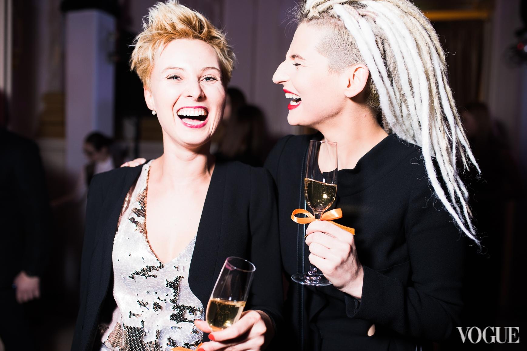 Катро Заубер (справа)