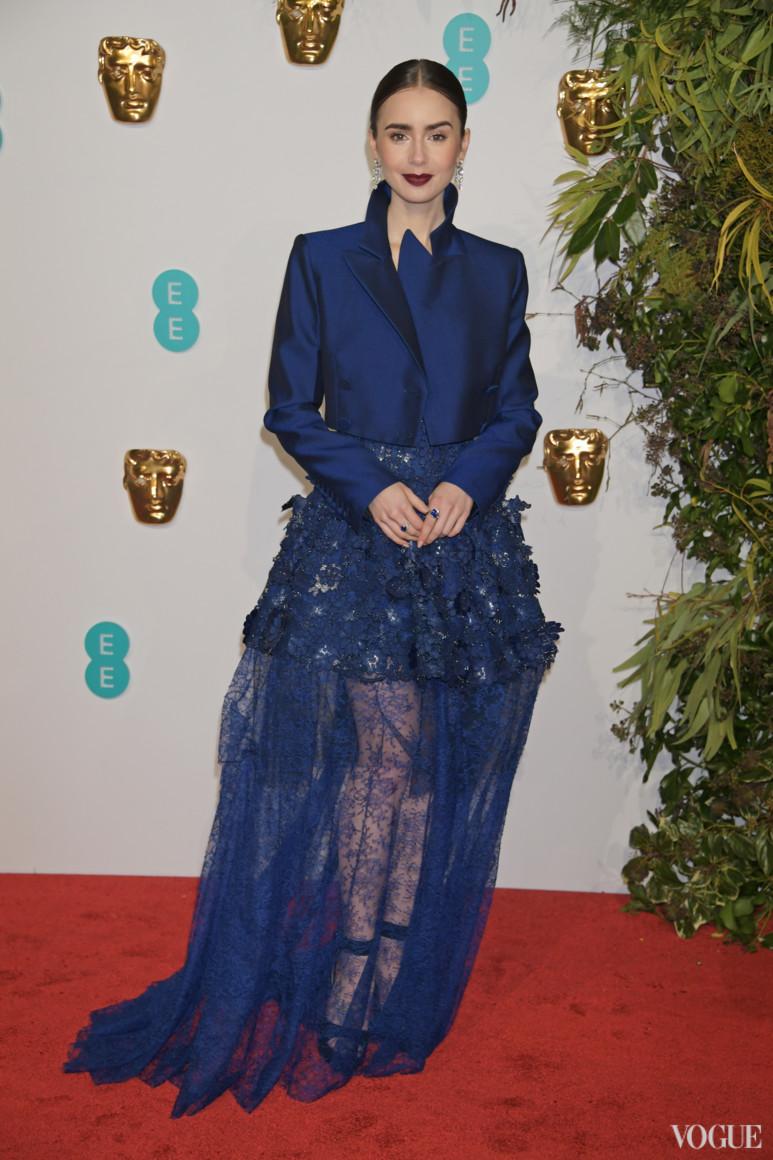 Лили Коллинз в Givenchy