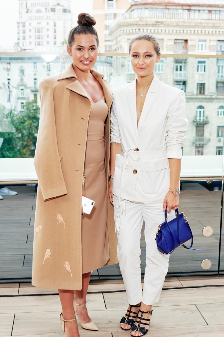 Дарья Шаповалова (справа)