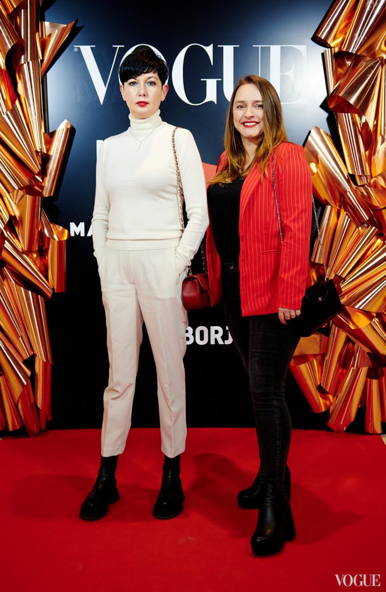 Виолетта Скодорова (слева)
