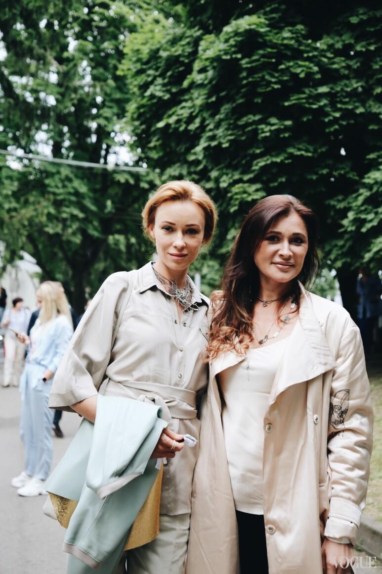 Ольга Филатова (справа)