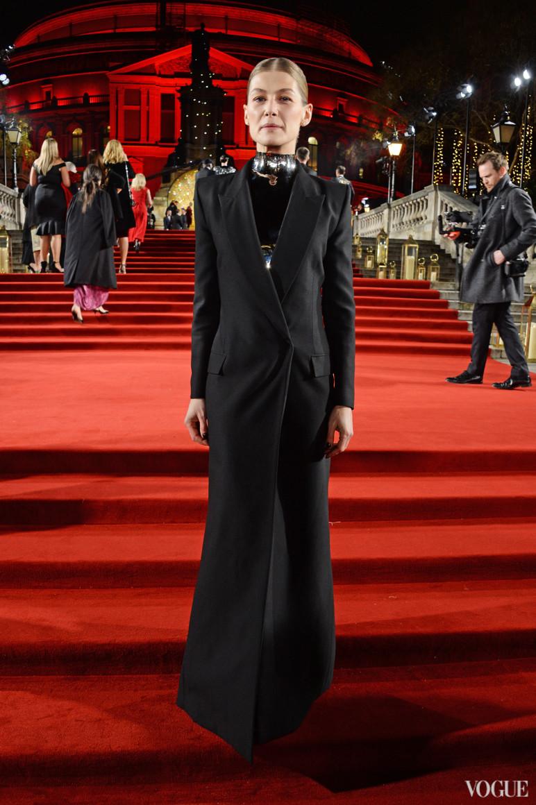Розамунд Пайк в Givenchy
