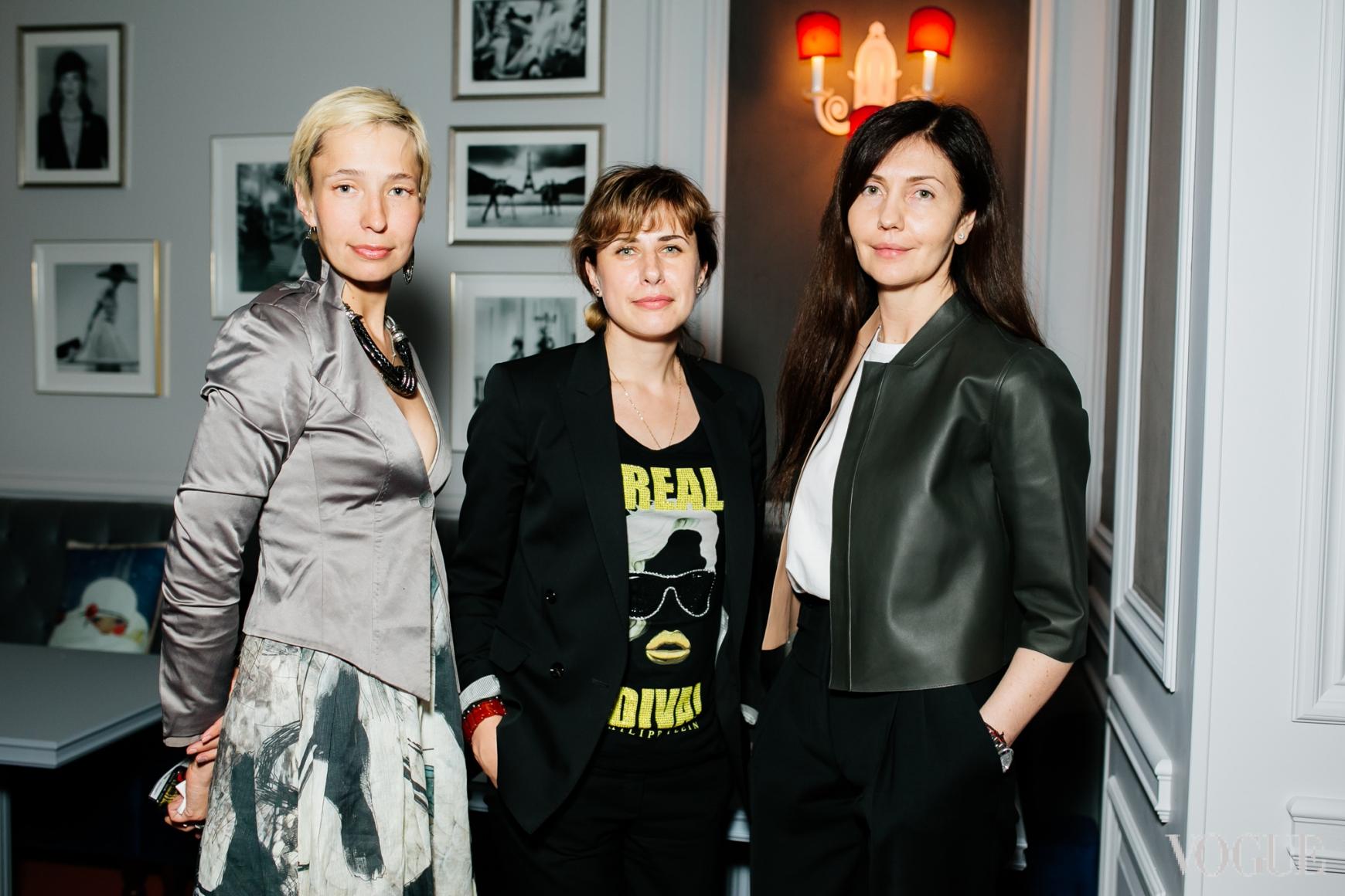 Инна Ткалич (в центре) и Марина Бабчинская (справа)