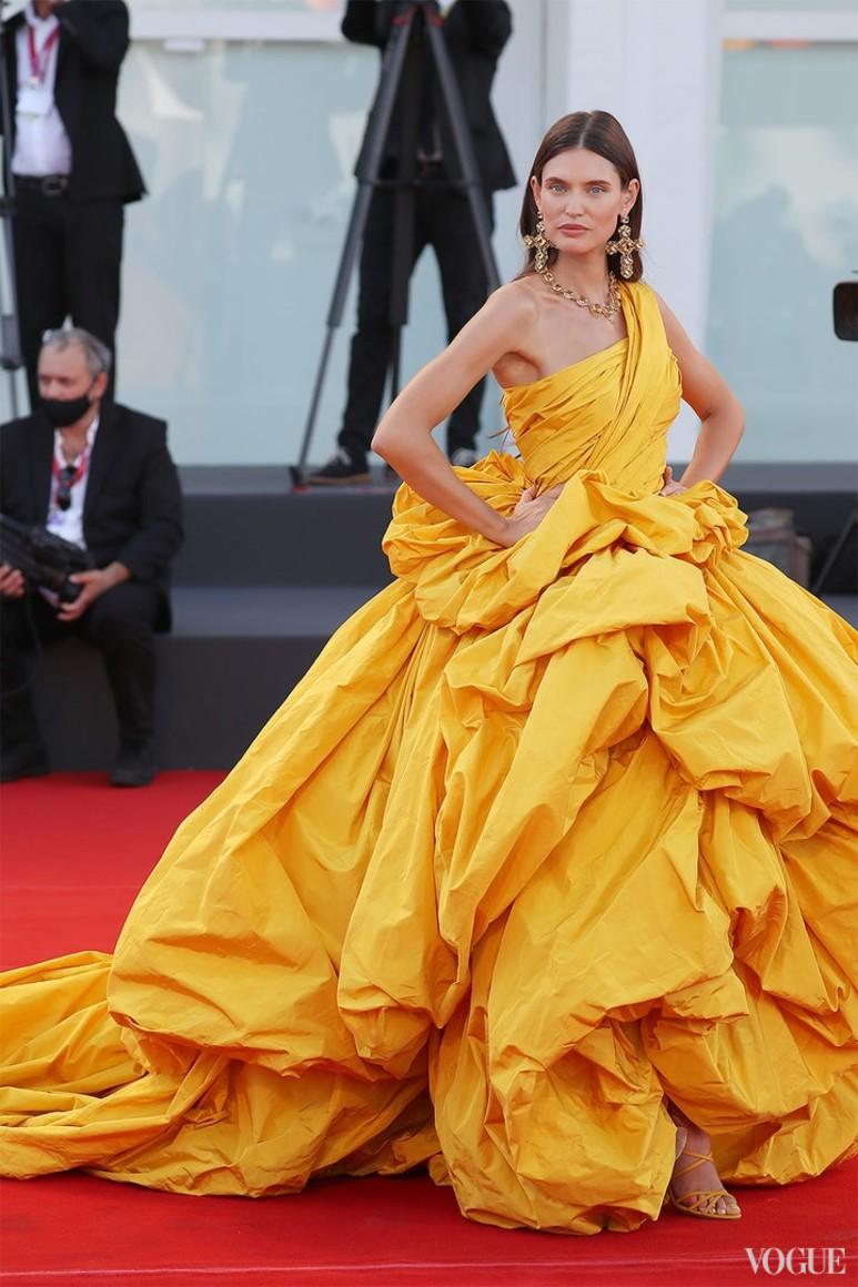 Бьянка Балти в Dolce & Gabbana