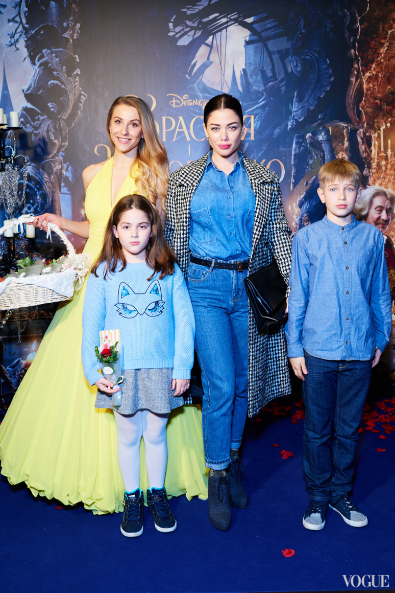 Юлия Кавтарадзе с детьми