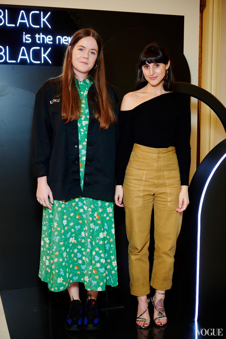 Кайла Марси (справа)