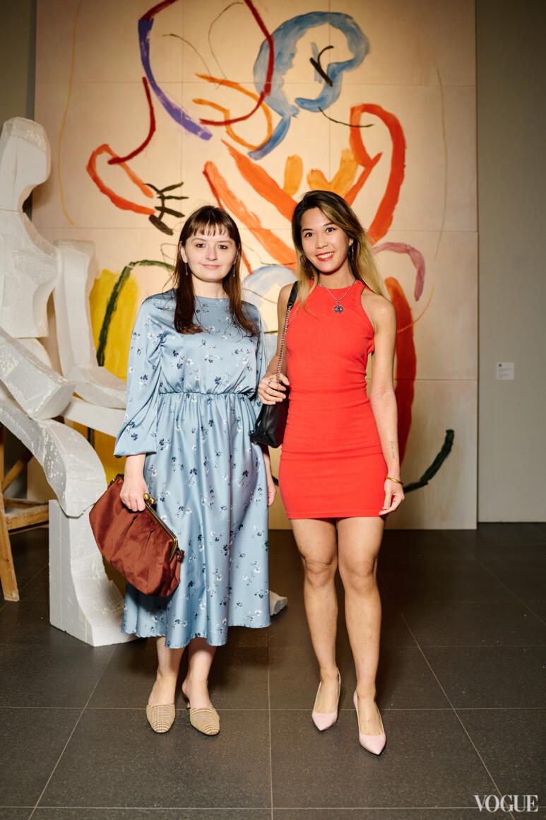 Екатерина Попова (слева)