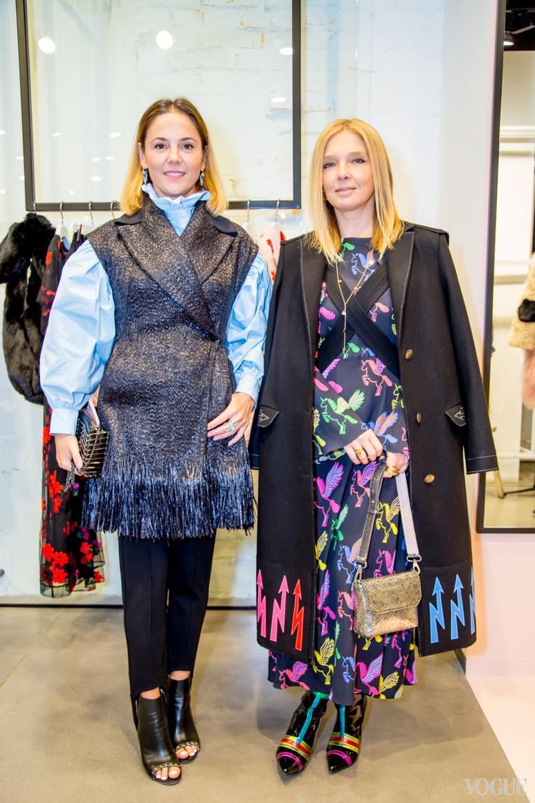 Ольга Навроцкая (справа)