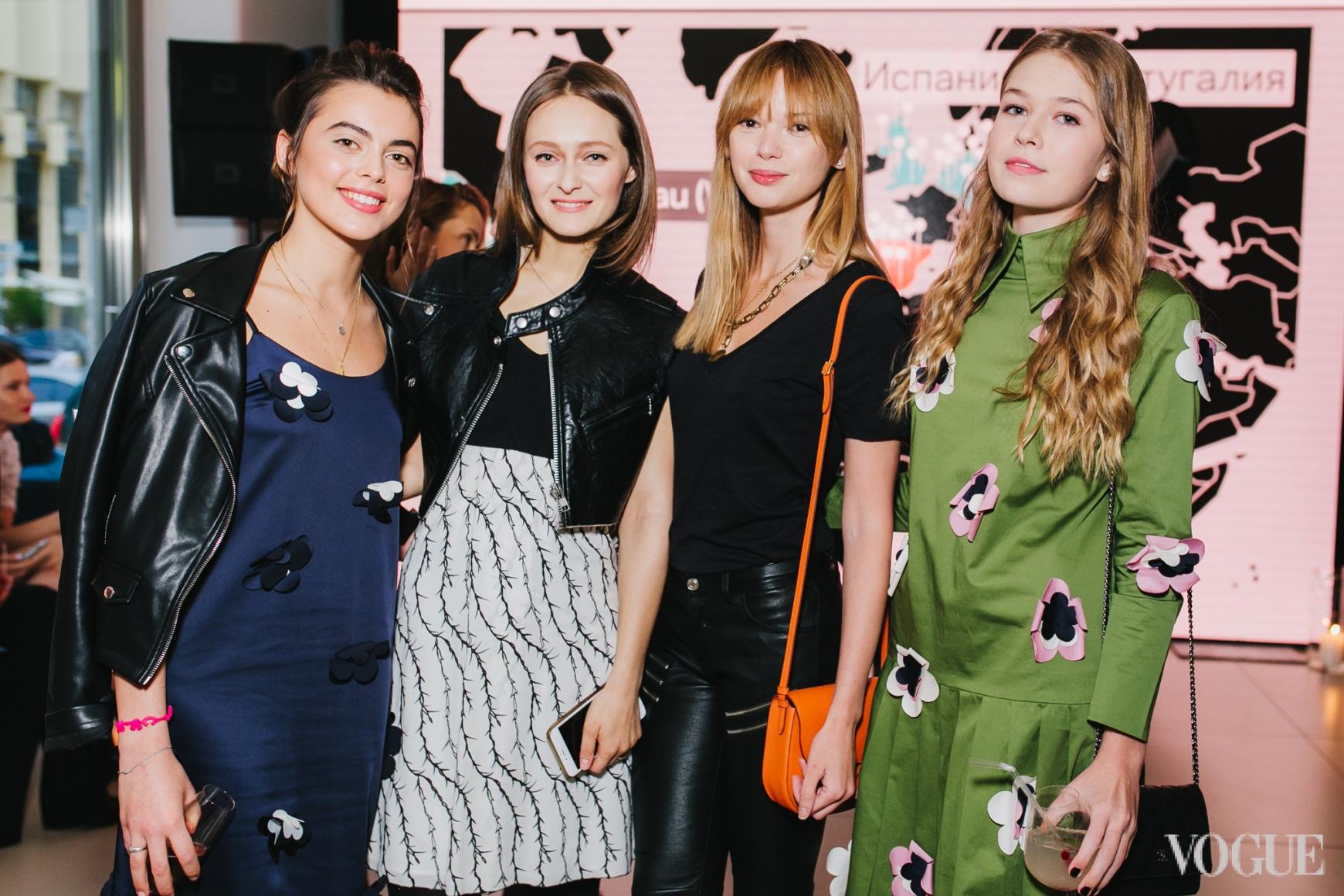 Елизавета Арфуш, Дарья Шаповалова, Алена Масюткина и Соня Киперман