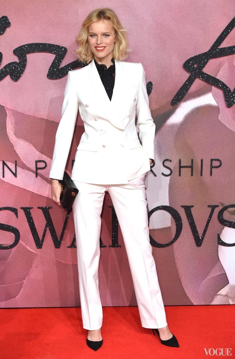Ева Герцигова в Dolce & Gabbana