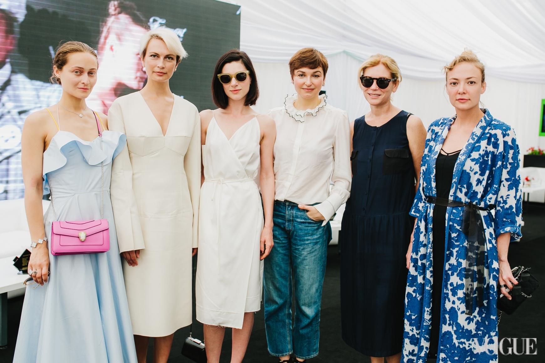 Дарья Шаповалова, Маша Цуканова, Светлана Бевза, Карина Добротворская, Лилия Пустовит и Маша Бех